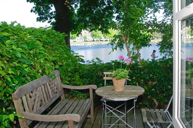 amenagement petite terrasse l 39 atelier des fleurs. Black Bedroom Furniture Sets. Home Design Ideas
