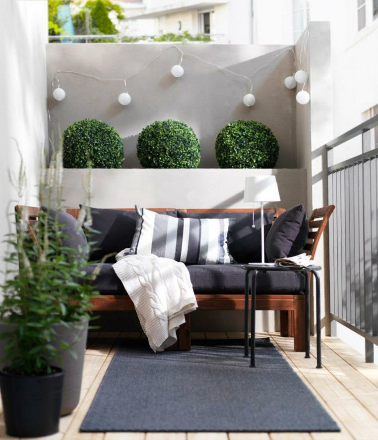 am nagement petit balcon l 39 atelier des fleurs. Black Bedroom Furniture Sets. Home Design Ideas