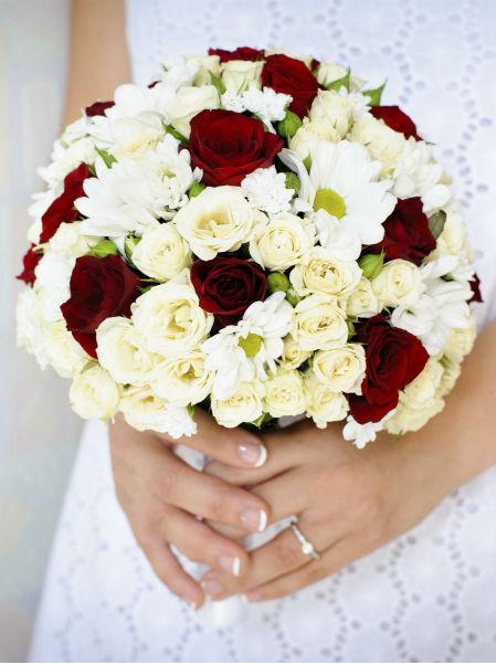 bouquet de fleur rouge et blanc l 39 atelier des fleurs. Black Bedroom Furniture Sets. Home Design Ideas