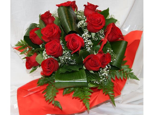 bouquet de roses rouges l 39 atelier des fleurs. Black Bedroom Furniture Sets. Home Design Ideas